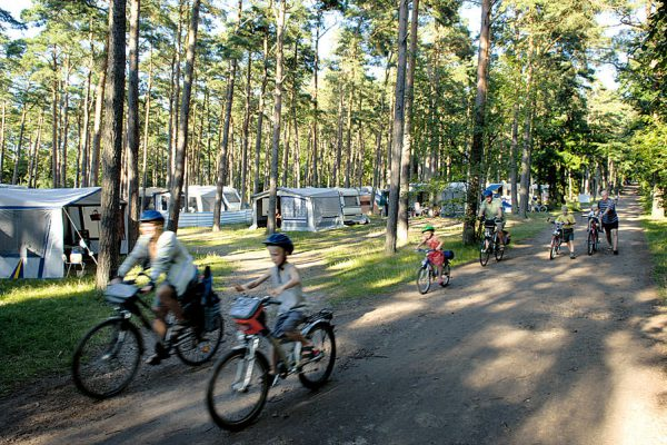 Camping in der Ferienanlage Regenbogen Nonnevitz auf der Halbinsel Wittow