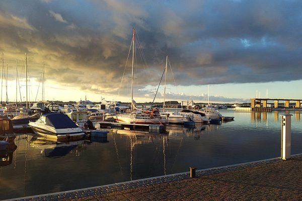 Hafen von Wiek auf der Halbinsel Wittow im Norden von Rügen