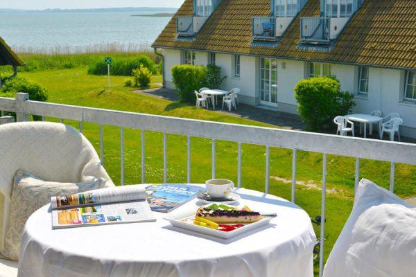 Fewo mit Balkon in der Hotel- und Ferienanlage Kapitänshäuser in Breege auf Rügen