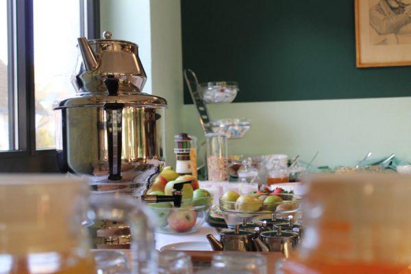 Frühstück in der Hotel- und Ferienanlage Kapitänshäuser in Breege auf Rügen