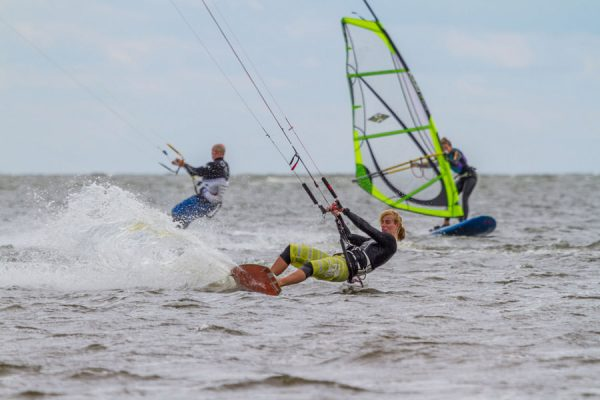 windsurfen-kitesurfen-ruegen-wieker-bodden